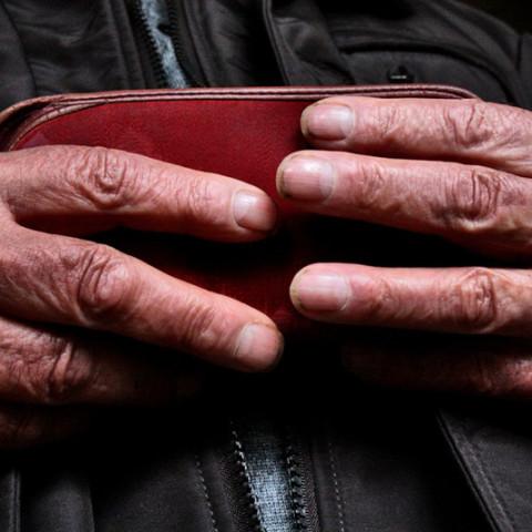 Cortile/Curtigghiu - Colloquio con gli anziani (Ph. Gero Viccica)