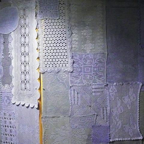 Cortile/Curtigghiu - La segreta. Videoinstallazione. Durata: 18'46''. A colori, con audio. Montaggio con Aniko Gal.