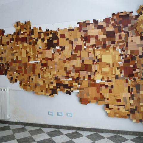 Sicilia (zattera), 2009. Mosaico di ritagli di vinil adesivo a decoro finto legno (circa 150x4 m).