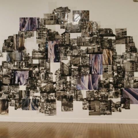 Quoi de nouveau sous le soleil? - Babele 2005, fotomontaggio in situ, in bianco e nero con elementi a colori su acetata (dimensioni variabili). Ph. Raphael Chippault.