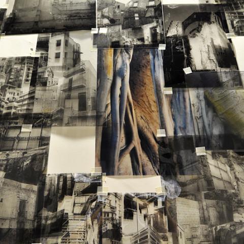 Quoi de nouveau sous le soleil? - Babele 2005, fotomontaggio in situ, in bianco e nero con elementi a colori su acetata (dimensioni variabili).