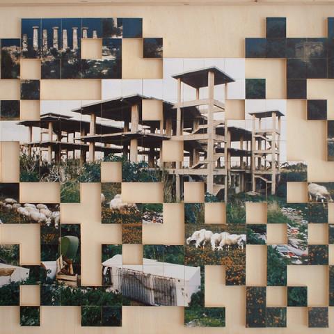 Quoi de nouveau sous le soleil? - Cubi di legno ricoperti di frammenti fotografici, incollati in scatola-cornici di legno (dimensioni variabili).